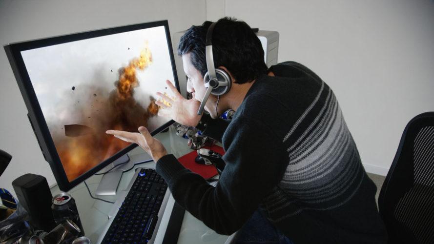 Муж увлекается компьютерными играми