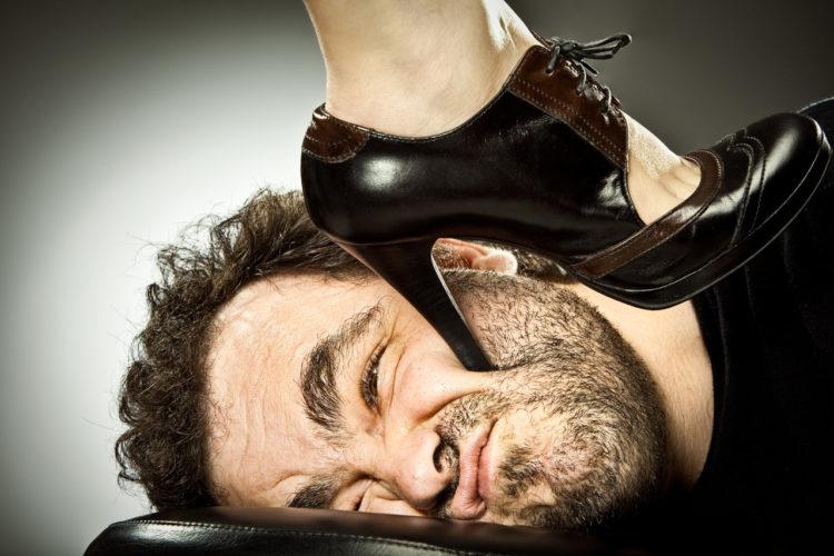 Как сделать мужчину подкаблучником