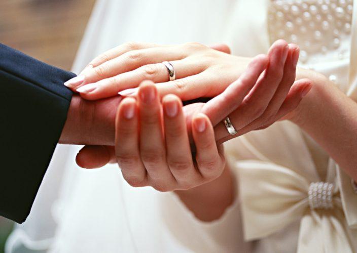 О возникновении брака, верности и зачем это нужно