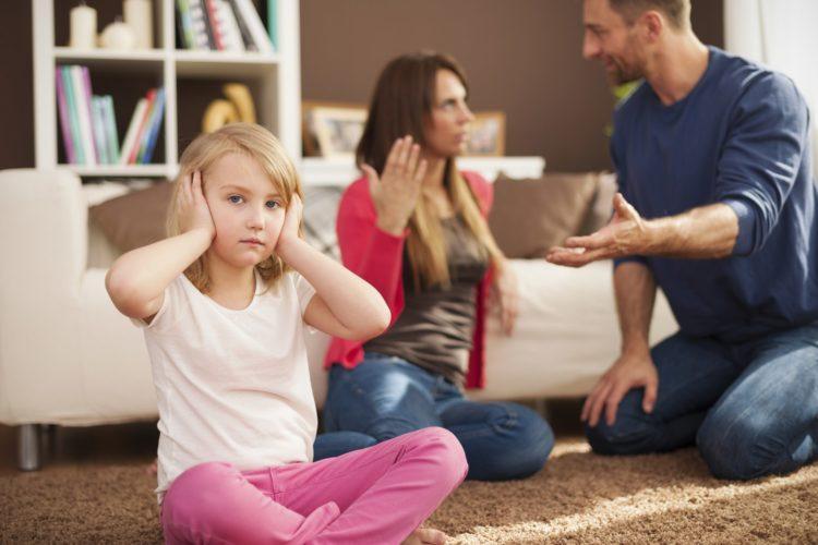 Как бороться с негативным отношением в семье?