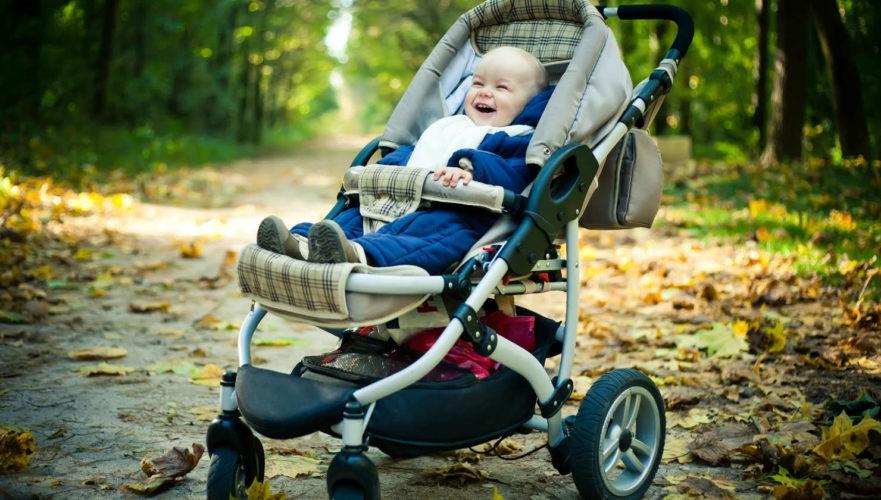 Ребенок не лежит в коляске