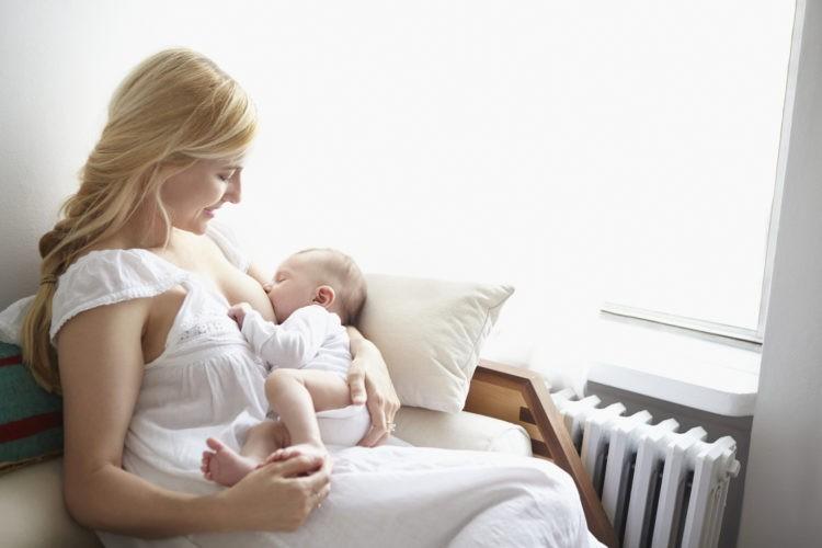 Кормление грудью ребенка при высокой температуре: можно ли кормить при температуре, когда этого делать нельзя
